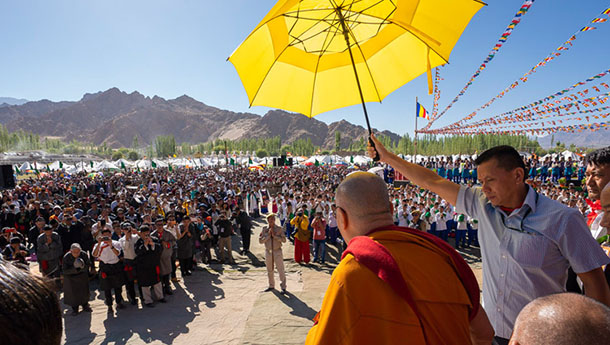 His Holiness the Dalai Lama greeting the crowd of over 25,000 in Leh, Ladakh, J&K, India on July 6, 2018. Photo by Tenzin Choejor