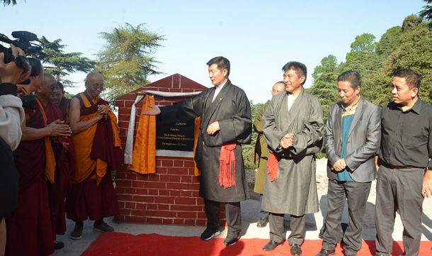 President Dr Lobsang Sangay lays the foundation stone of a new auditorium for the Tibetan Institute of Performing Arts, in Dharamshala, India on September 18, 2018. Photo: TPI/Yangchen Dolma